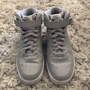 Nike Air Force 1 Mid Wolf Grey